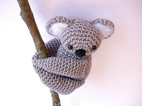 Amigurumi koala with heart pattern | Koala, Crochet patterns ... | 375x500