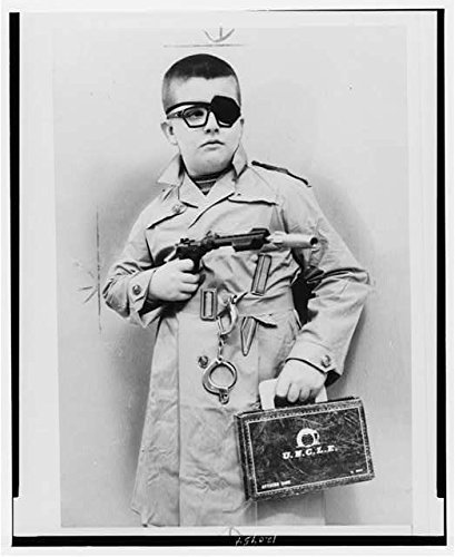 Photo  Alex Mumford Jr  10  Disguised As Man From Uncle  Eye Patch  Macys Toy Department   Size  8X