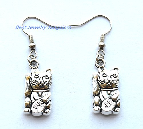 Lucky cat earrings, Chinese earrings, Maneki Neko, Chinese new year, fortune cat, gift for her, gift for friend, Valentine's day gift