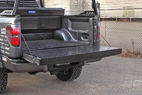 Dee Zee Tailgate Protector (Dee Zee DZ4138B Black Tread Full Tailgate Protector)