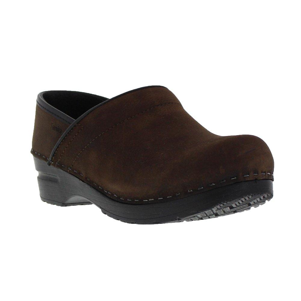 4134c9be16bb7 Amazon.com   Sanita Women's Professional Oil Closed Leather Clog   Mules &  Clogs