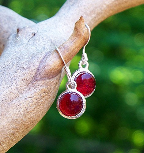 [Recycled Vintage 1940's Red Beer Bottle Glass Color Dot Earrings] (Homemade Magenta Costume)
