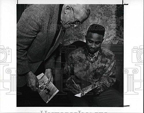 1992 Trophy Heisman - Vintage Photos 1992 Press Photo Heisman Trophy Winner Desmond Howard & Father Eldon Reichert