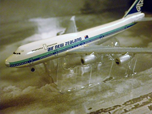 air-new-zealand-airlines-boeing-747-jet-plane-1600-scale-die-cast-plane-made-in-germany-by-schabak