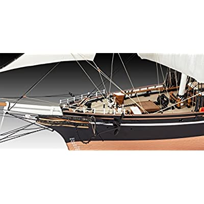 Revell 05422 Cutty Sark Model Kit: Toys & Games