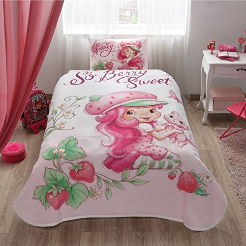 Strawberry Sheets Shortcake (Disney Strawberry Shortcake Girl's Coverlet Set Bedspread Pique Single / Twin Size Kids Bedspread/Coverlet)