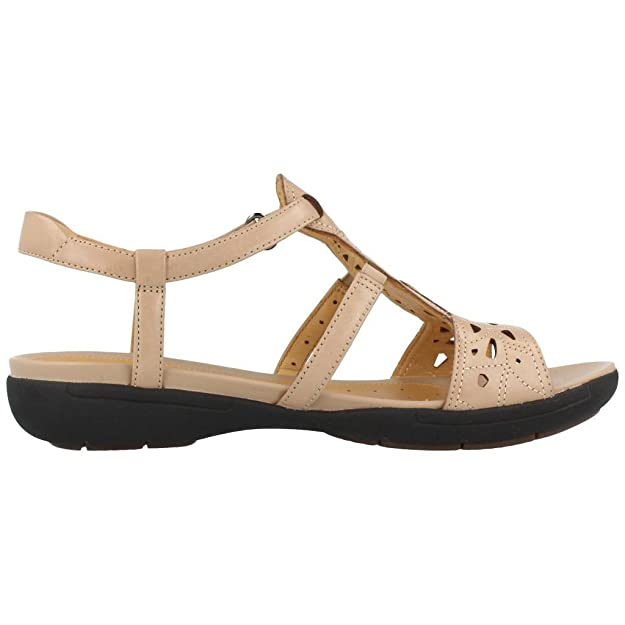 78e0fa3caed Clarks Un Valencia Leather Sandals In Sand Wide Fit Size 4½  Amazon.co.uk   Shoes   Bags
