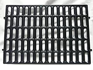 Mat for rabbit cage, plastic. Make a wire-floored cage comfortable. (Black)