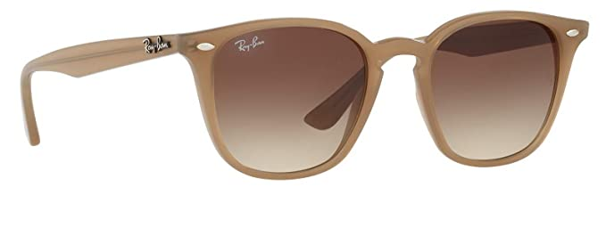ac26a579200d4 Amazon.com  Ray-Ban RB4258 616613 Unisex Brown Gradient Sunglasses ...