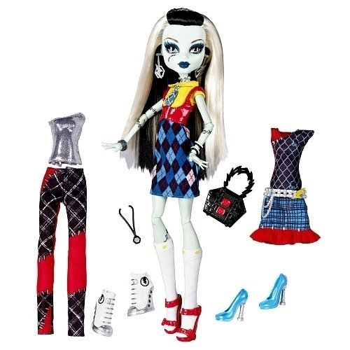 Monster High Exclusive Frankie Stein I Love Fashion Doll and 3 Outfit -