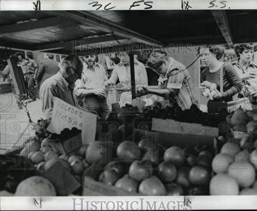 - Vintage Photos Historic Images 1975 Press Photo John Bruno Selling Produce from Vending Truck on Earonne Street - 8.25 x 10 in