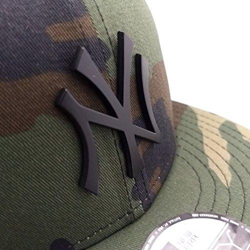 Newyork Yankees Army Camo Hat with Matte Black Metal Logo 950 Snapback (Cap Black Matte Military)