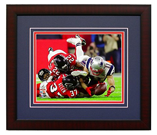 New England Patriots Julian Edelman Makes The Catch Of A Lifetime During Super Bowl LI Trophy. Framed 8x10 Photo Picture. (Catch)