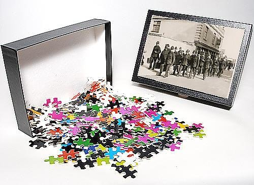 Photo Jigsaw Puzzle Of Policemen W/ Suitcases