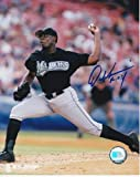 Dontrell Willis Signed - Autographed Florida Marlins 8x10 inch Photo - Guaranteed to pass or JSA with Rookie Of The Year Inscription - PSA/DNA Certified