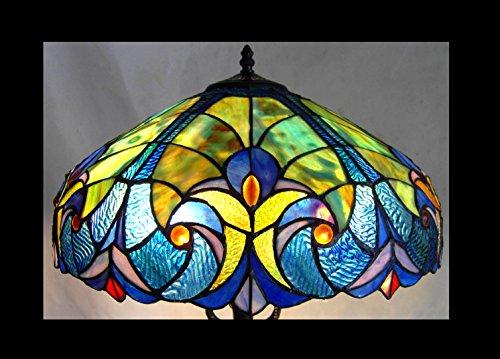 Chloe Lighting Light Victorian Table Lamp