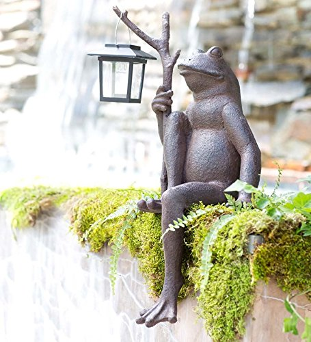 Wind & Weather Sitting Frog Garden Statue with Solar ()