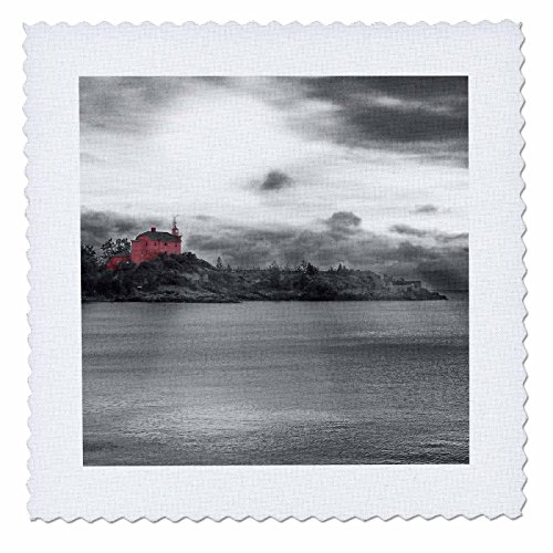 3dRose qs_19936_1 Light House 2 Red Coast Guard Station Light House Photographed on Lake Superior Quilt Square, 10 by 10-Inch ()