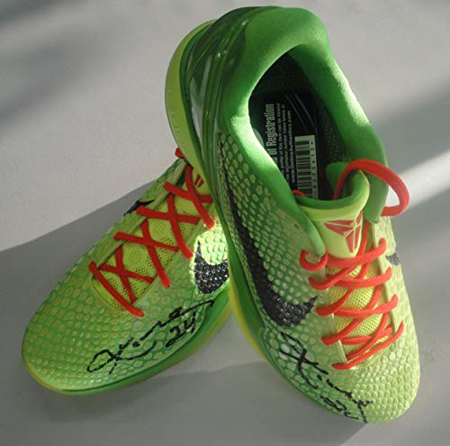 fc8f52275dc7 Kobe Bryant Hand Signed Auto Nike Christmas Day Shoes 2 Sigs! Online  Authentics