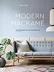 The ultimate guide to creating and styling modern macramé projects in the home from top creative tastemaker and sought-after macramé artist Emily Katz.Macramé--the fine art of knotting--is an age-old craft that's undergoing a contemporary ren...