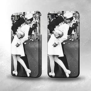 Apple iPhone 4 / 4S Case - The Best 3D Full Wrap iPhone Case - The Famous Kiss