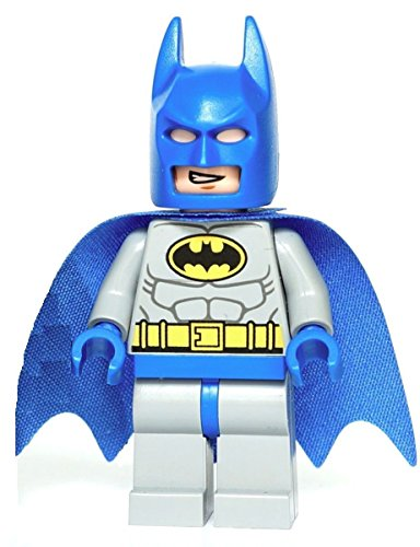 LEGO DC Comics Super Heroes Batman Classic Blue & Grey minifigure
