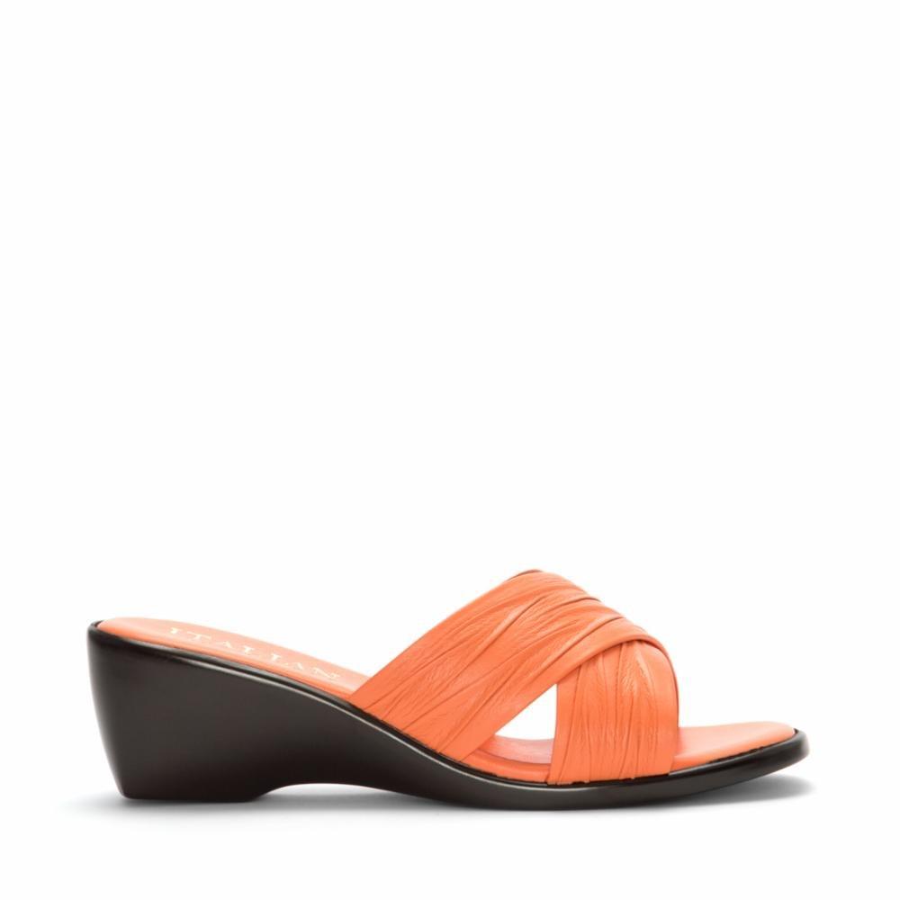 b4ecd4b87ee9 Italian Shoemakers Women s 168 Slide Sandal  Amazon.ca  Shoes   Handbags