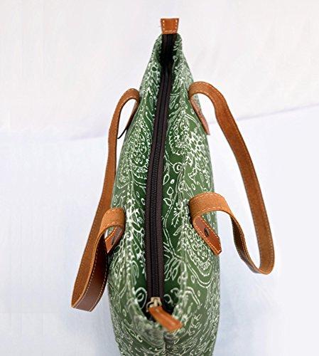 Borsa in cotone, laminato, verde stampa floreale, Kalamkari, folk, finitura opaca, finiture in pelle, chiusura zip, Everyday bag.