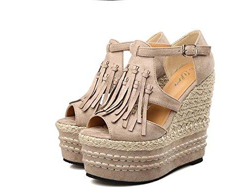 LvYuan Sandalias del verano de las mujeres / talón ultra atractivo / plataforma impermeable / paja trenzando / talón de cuña / Peep-toe la borla de la borla / oficina y carrera / zapatos romanos beige