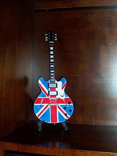 Little Shop Guitars Mini Guitar OASIS NOEL GALLAGHER Union Jack Display GIFT