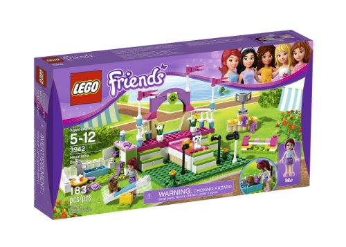 LEGO Friends Heartlake Dog Show 3942]()