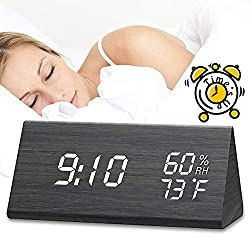 Digital Alarm Clock, LED Adjustable Brightness Voice Control Desk Wood Alarm Clock, Display Day/Date/Temperature and Humidity USB/Battery Powered, for Back to School, Home, Office, Kids