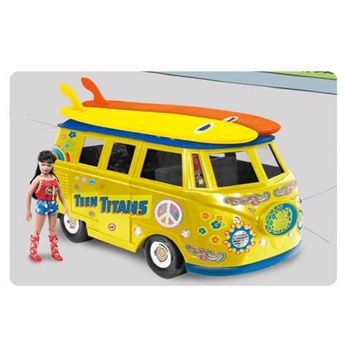 - DC Comics Bus Playset for 8 Inch Retro Figures: Teen Titans With Exclusive Wondergirl Figure