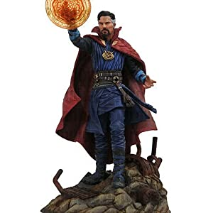 Diamond Select Toys Marvel Gallery: Avengers Infinity War Movie Doctor Strange Pvc Diorama Figure