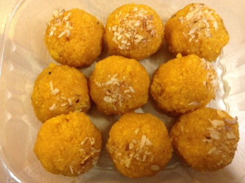 Indian Sweets - Bundi (Boondi) Ladoo 1lb, 9 Mouth Watering Ladoos