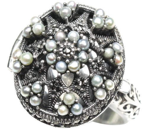 (Poison Locket Cultured Seed Pearl Sterling Silver Ring (Size 7) - Dahlia Vintage Collection)