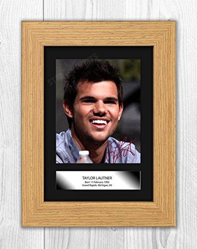 Engravia Digital Taylor Lautner Signed Autograph Reproduction Photo A4 (Oak frame)