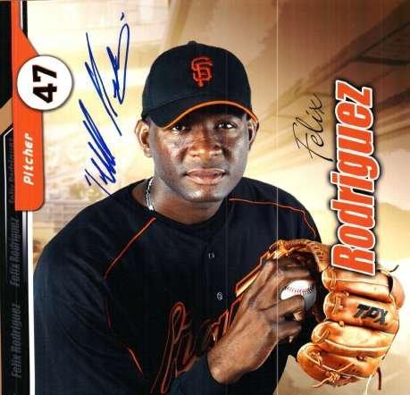 Autographed Felix Rodriguez San Francisco Giants Photo ()