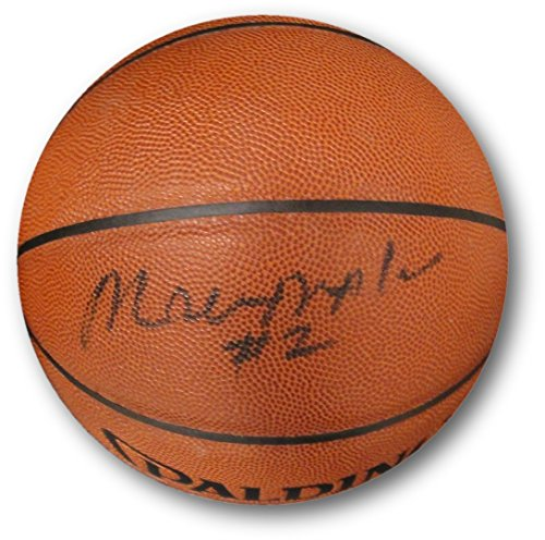(Moses Malone Hand Signed Autographed Indoor/Outdoor NBA Basketball 76ers)