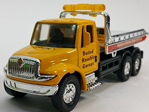 Showcast International Yellow Busted Knuckle Garage Flatbed Tow Truck Functional Rollback Wrecker 1/64 Scale Commercial Vehicle (Diecast Wrecker Truck)