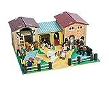 Le Toy Van The Farmyard - Wood Farm and Barn Set