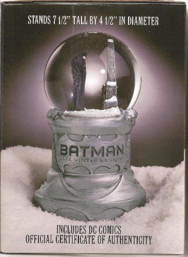 Limited Edition Snowglobe - BATMAN Snow Globe Dark Winter's Knight Limited Edition (Batman, 1)