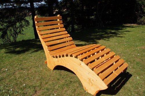 Holzliege Garten