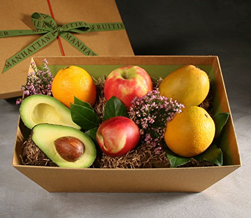 Organic Pippin Made to Order Fruit Basket by Manhattan Fruitier with 6 Pieces of Seasonal Organic Fresh Fruit