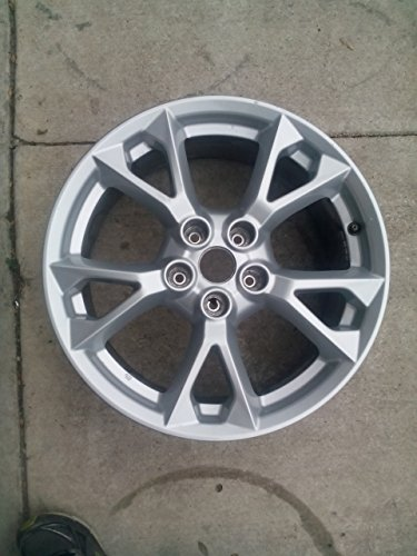 Painted Silver Alloy Wheel - 4