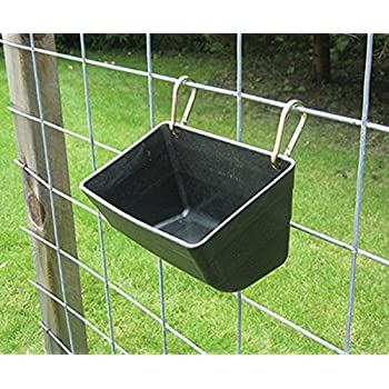 Amazon Com 2 Pack Little Giant Fence Feeders With Clips