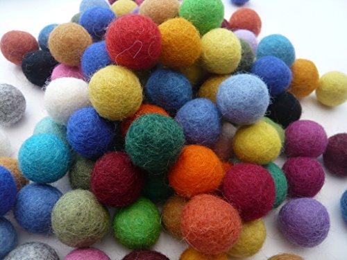 Heidifeathers Handmade Felt Balls - Choose Size and Mix (2cm Mixed) ()