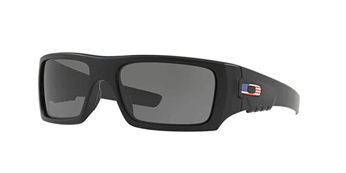 301f74b8e8141 Amazon.com  Oakley Det Cord Sunglasses   Matte Black   USA Flag  (OO9253-11)  Clothing