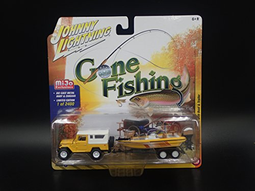 1980 TOYOTA LAND CRUISER with FISHING BOAT & TRAILER 2018 Johnny Lightning MIJO Exclusive Version B 1 of 2400