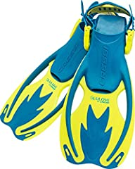 The Rocks are a composite design vented open heel fins with adjustable straps designed to follow the kid's growth. The strap have the large-thumb-loop for easy donning and doffing. Dual composite vented blades provide excellent power and ener...